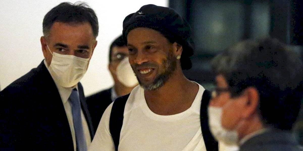 Ronaldinho seguirá arrestado en un hotel de Paraguay