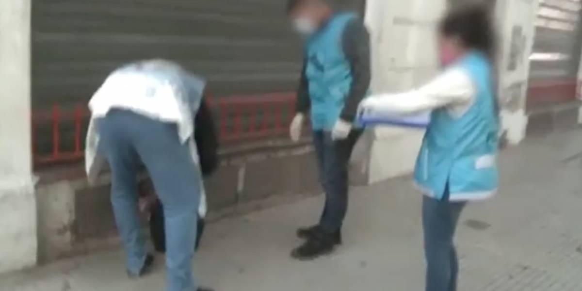 VIDEO | ¡Insólito! Violó la cuarentena para pintar el escudo de su equipo de fútbol