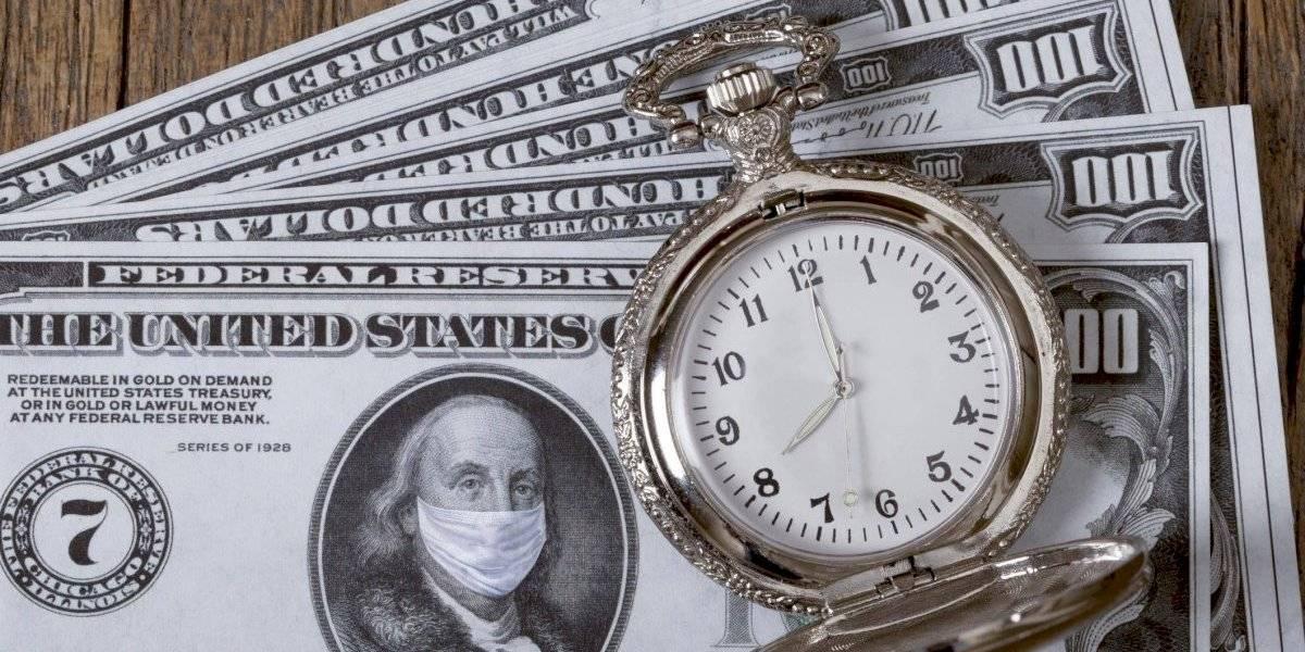 Tardanza en distribución de fondos federales lacera más la economía, según expertos