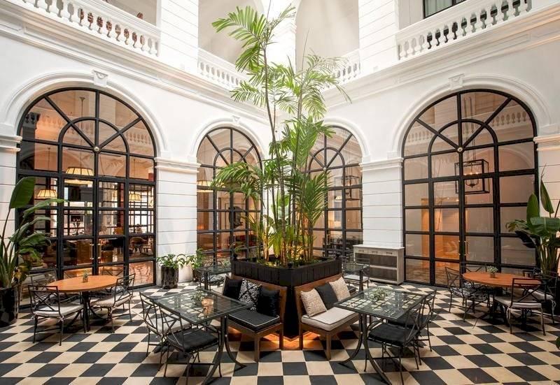 Foto redes | Ronaldinho pasará en arresto domiciliar en uno de los mejores hoteles paraguayos