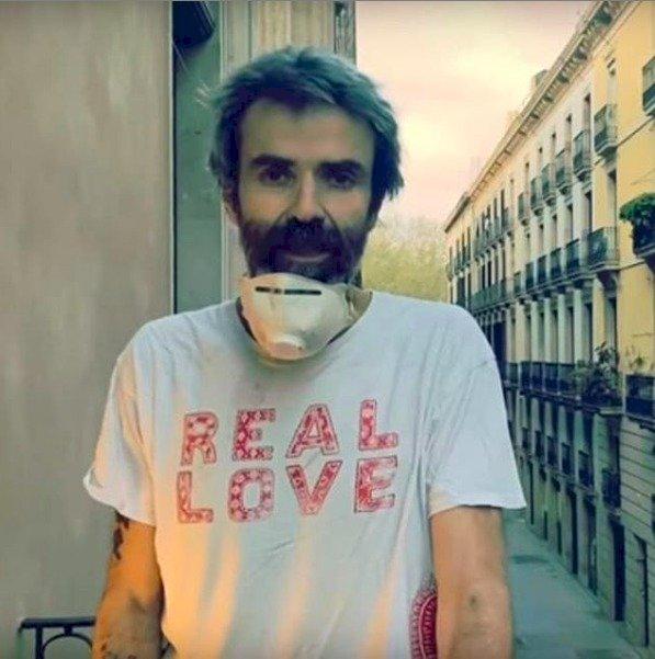 El músico también dedicó una canción a los doctores por coronavirus Instagram