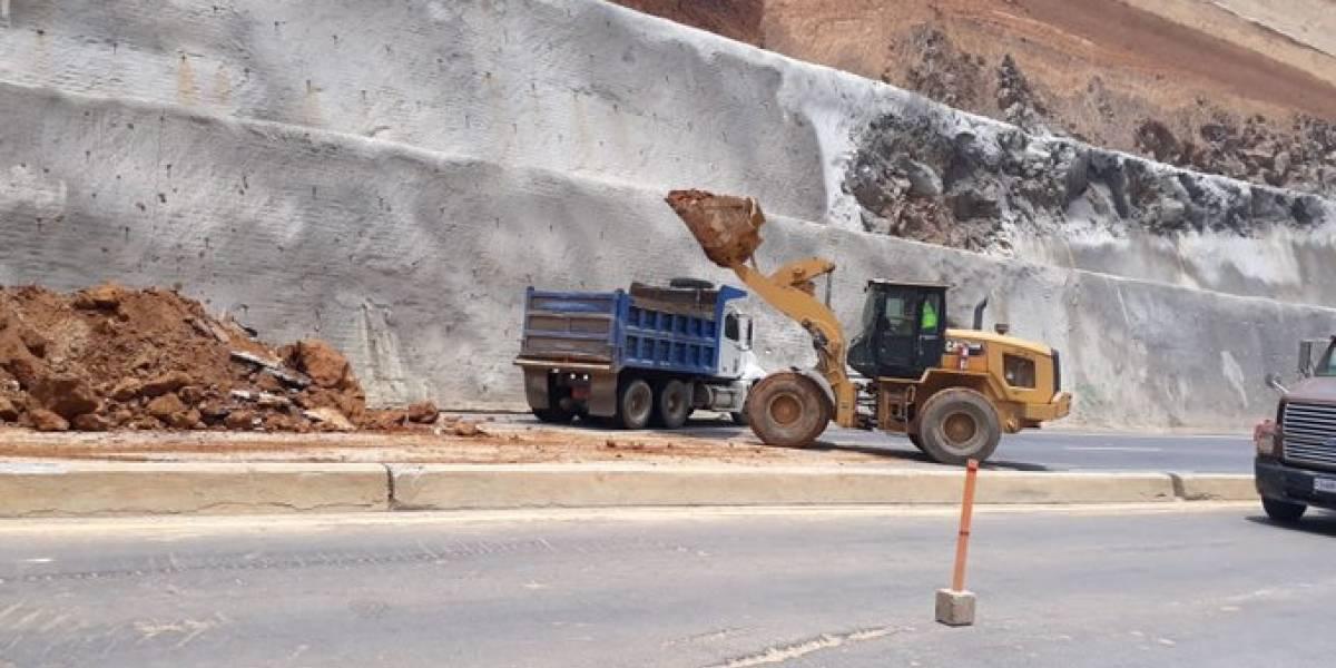 Habilitan carril reversible en libramiento de Chimaltenango tras caída de material