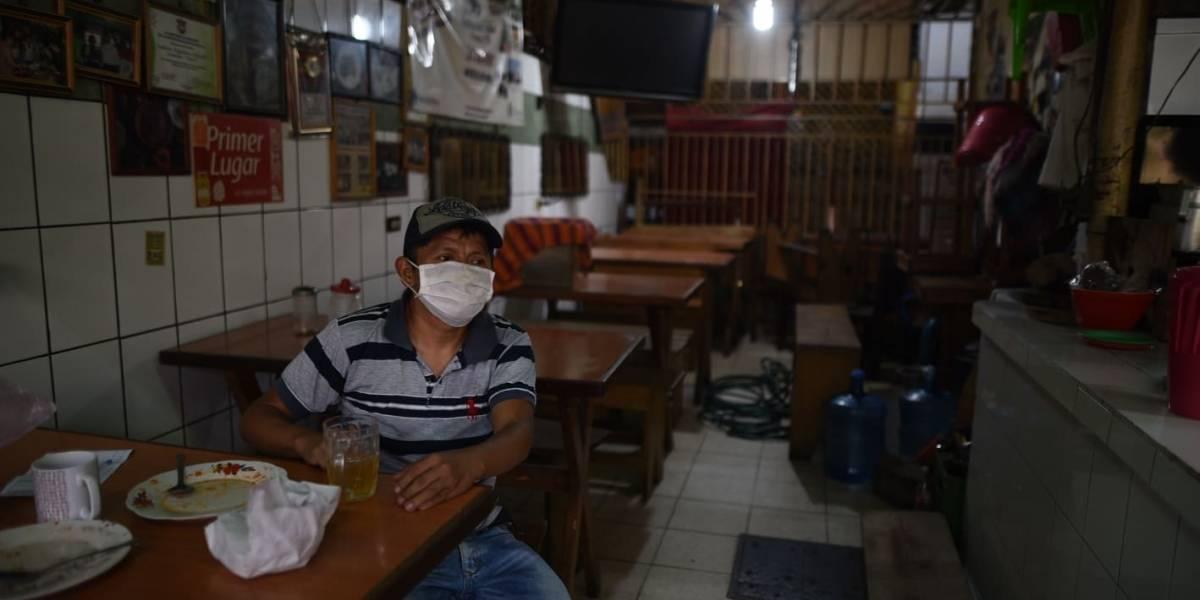 HISTORIAS. Vendedores de comida del Mercado Central llegan a trabajar por necesidad