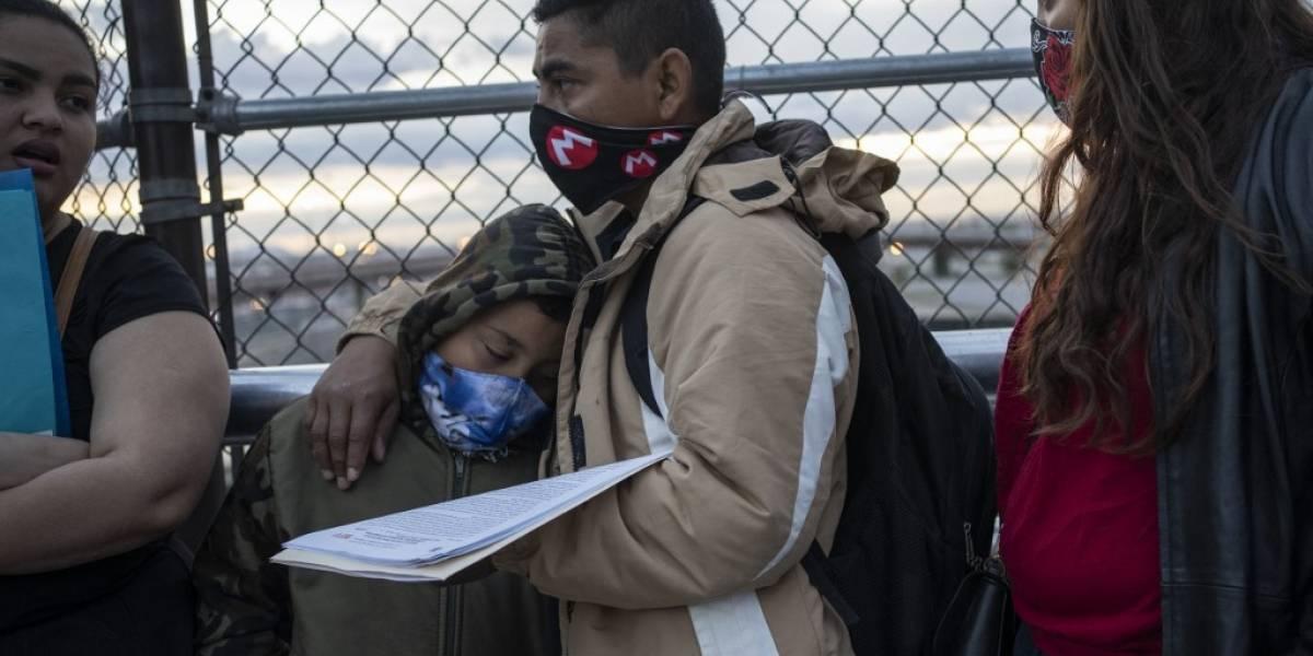 """Migrantes atrapados en México viven """"aterrorizados"""" ante amenaza de COVID-19"""