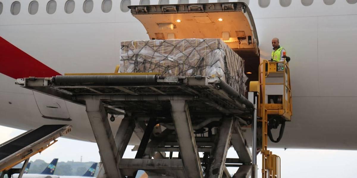 Um milhão de kits de testes rápidos para coronavírus chegam a SP