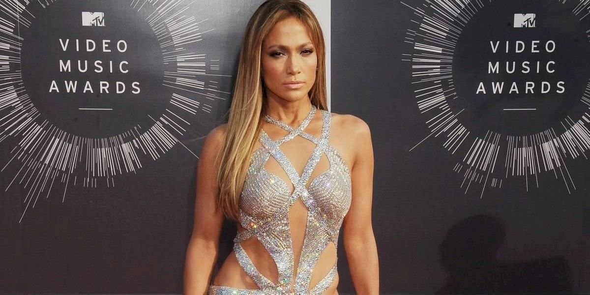 """Filtran foto de Jennifer López con exceso de Photoshop en el trasero y se ve """"deforme"""""""