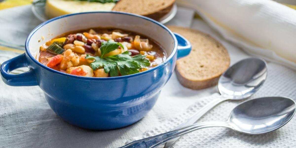 3 sopas gostosas e saudáveis para ajudar a emagrecer | Metro Jornal