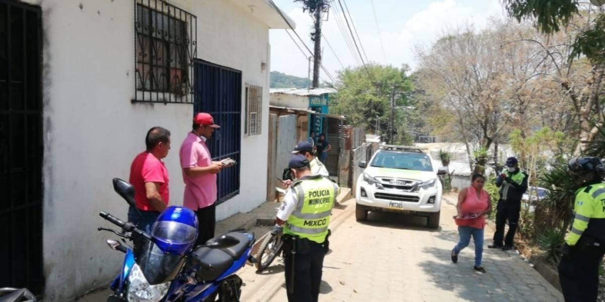 Capturan a hombre que cobraba 2 quetzales por trámites de la ayuda económica