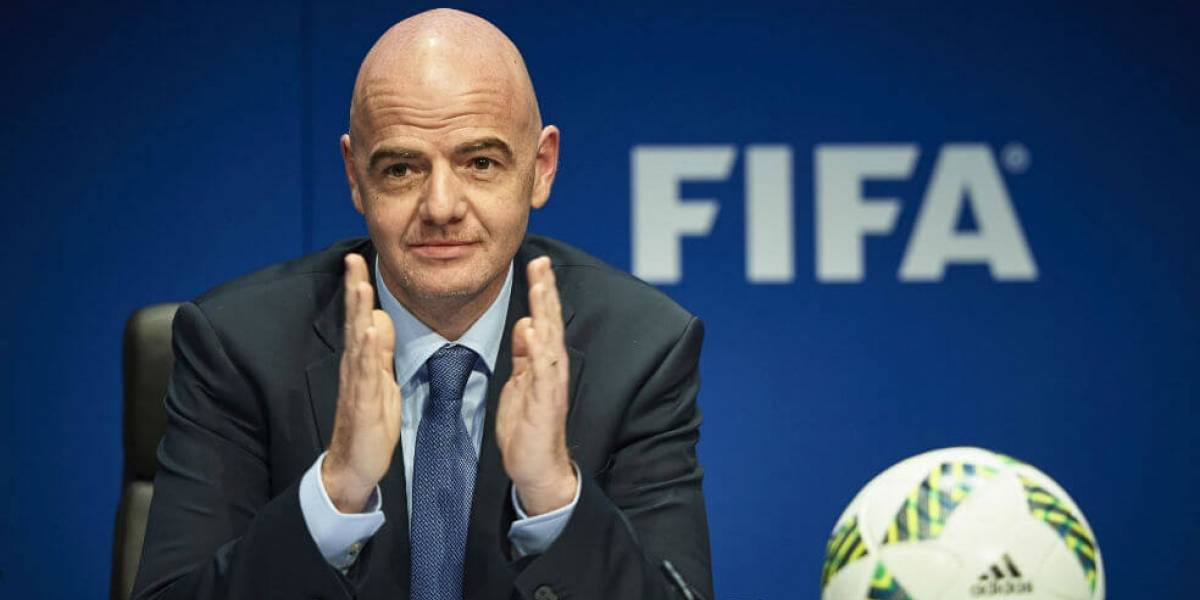 """Presidente de la FIFA: """"Ningún partido merece poner en riesgo una vida"""""""