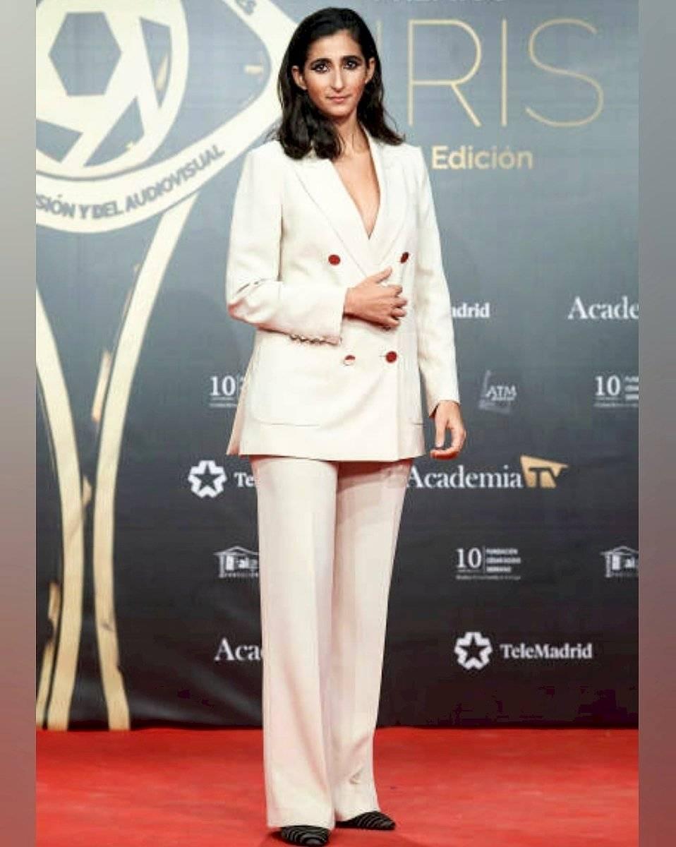 Así son los outfits de Alba Flores, la feminista de la Casa de Papel que impone la moda con sus blazers