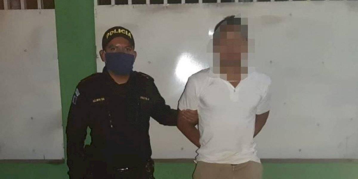 Capturados por violentar restricción de toque de queda