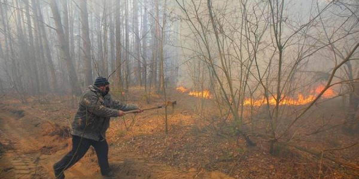 ¡Muy grave! Incendio está por llegar al reactor 4 en Chernobil