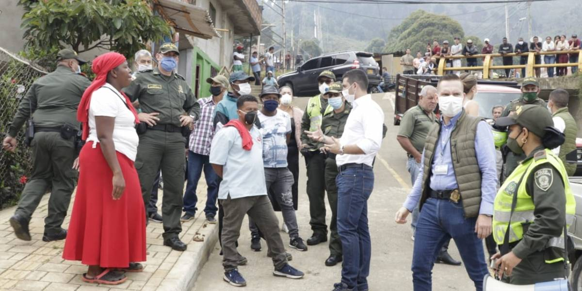 Ciudadanos salieron a bloquear las calles en Medellín porque no les llegan ayudas
