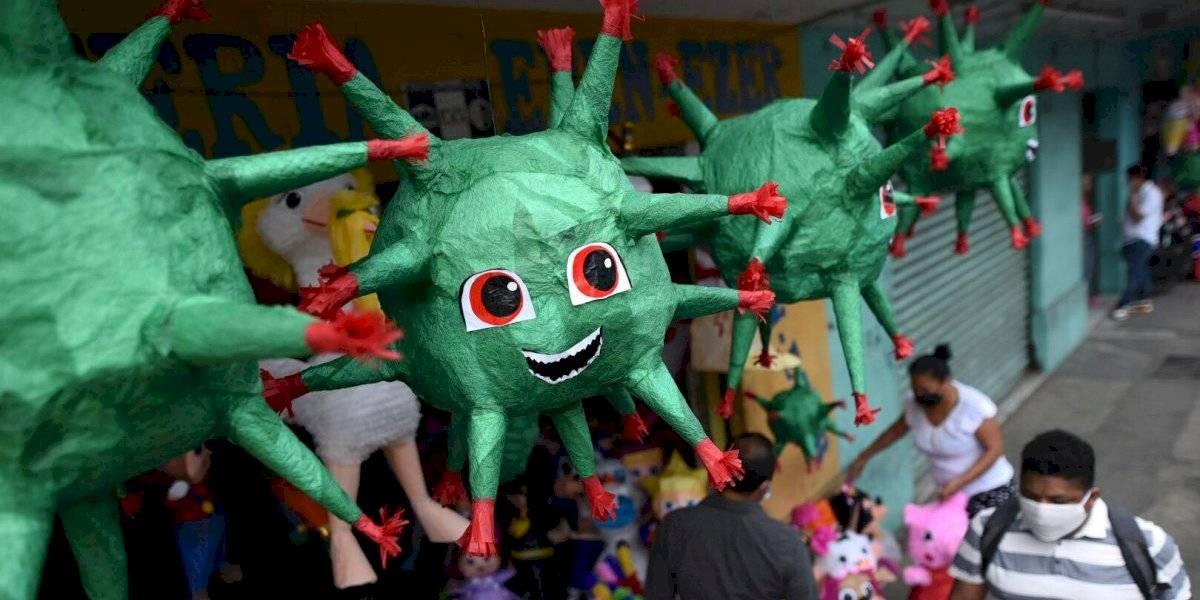 EN IMÁGENES. Ante la crisis actual, algunos clientes piden piñatas de coronavirus
