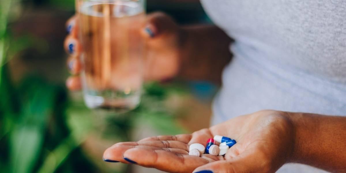 Automedicação: saiba quais são os riscos à saúde que essa prática pode trazer