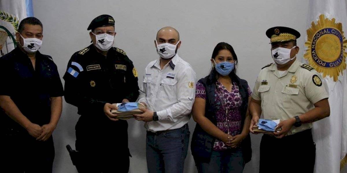 PNC recibe donación de mascarillas elaboradas por adolescentes en conflicto con la ley