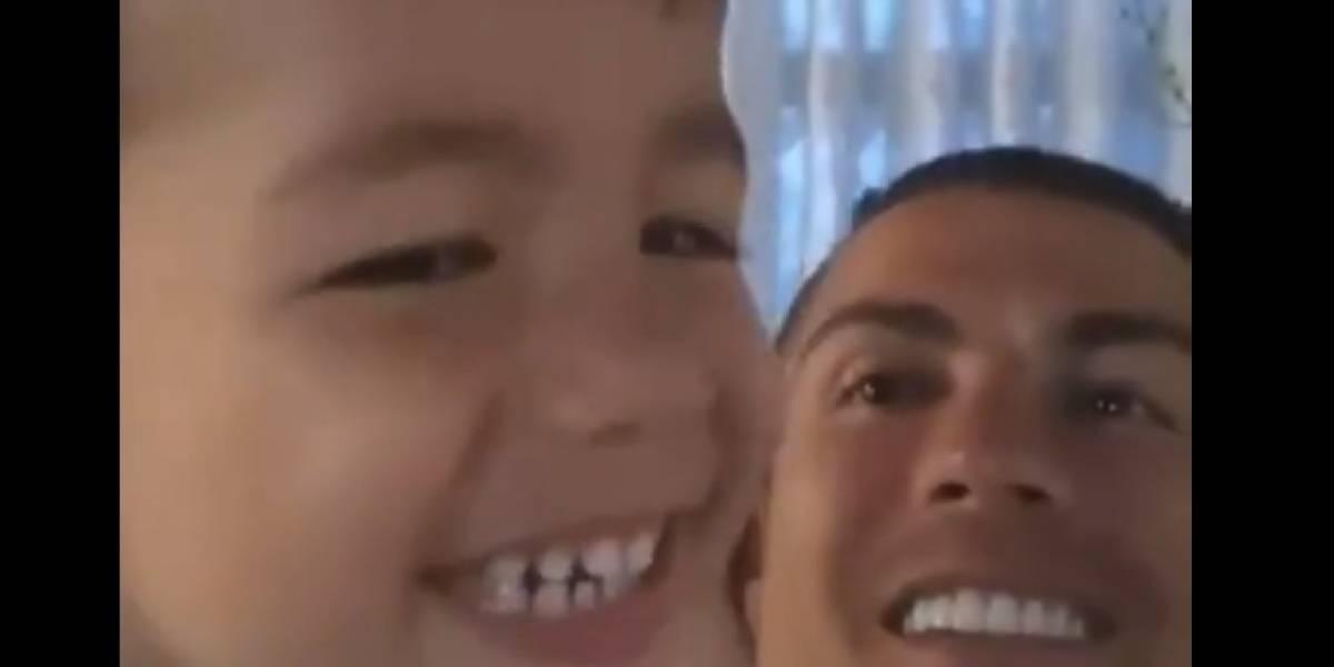 VIDEO. Cristiano Ronaldo le enseña a su hijo Mateo su mítico grito de guerra