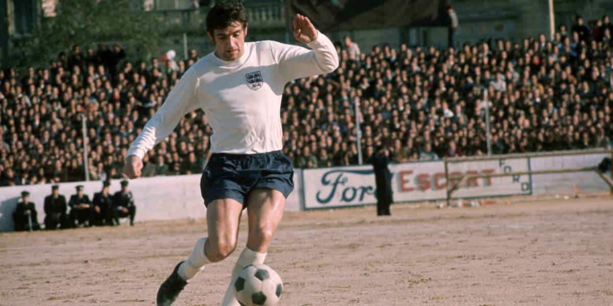 Murió por coronavirus la leyenda del fútbol inglés Norman Hunter