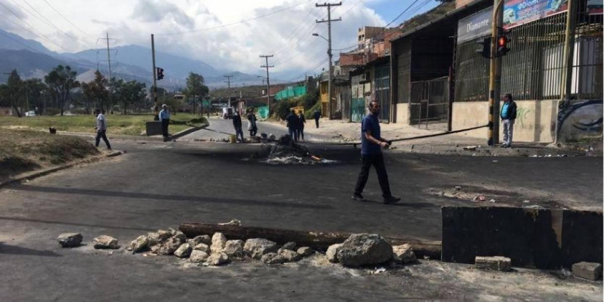 Ciudadanos que no han recibido ayudas formaron bloqueo en la Avenida Boyacá