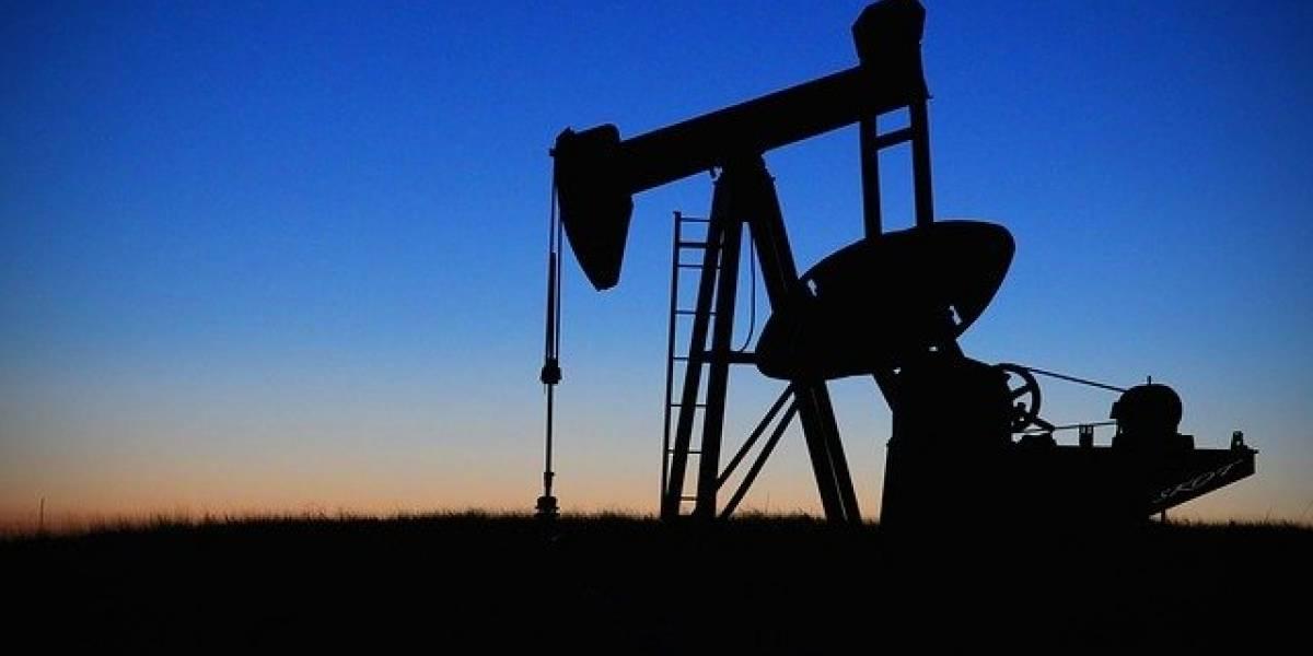Precio del petróleo se desploma a un centavo de dólar en Estados Unidos