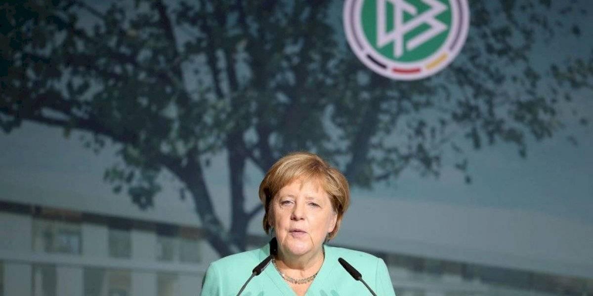 Angela Merkel autorizó el regreso de la Bundesliga, pero con estrictos protocolos