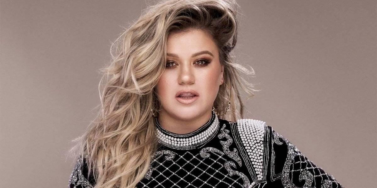 Kelly Clarkson lanza nuevo sencillo cantando en español