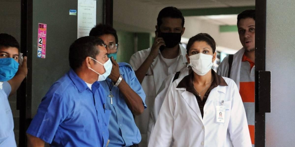 Médicos de Nicaragua exigen equipo para atender casos de COVID-19