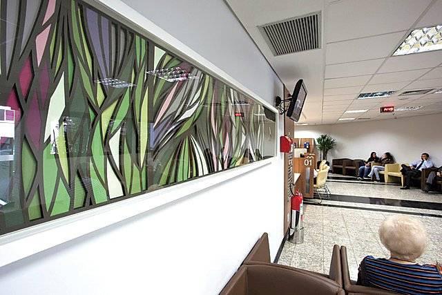 Obra exposta no hospital Igesp Divulgação