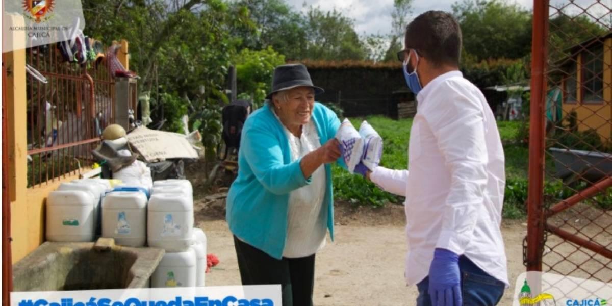La Alcaldía de Cajicá realiza entrega de ayudas alimentarias en época de cuarentena
