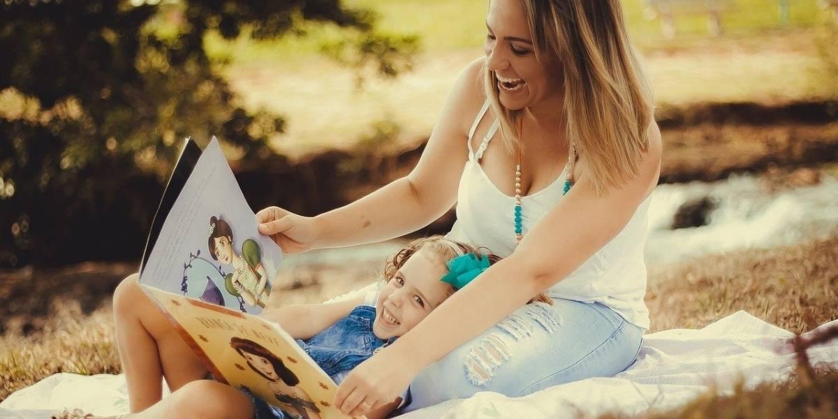 Isolamento social pode ser oportunidade para pais praticarem literacia familiar