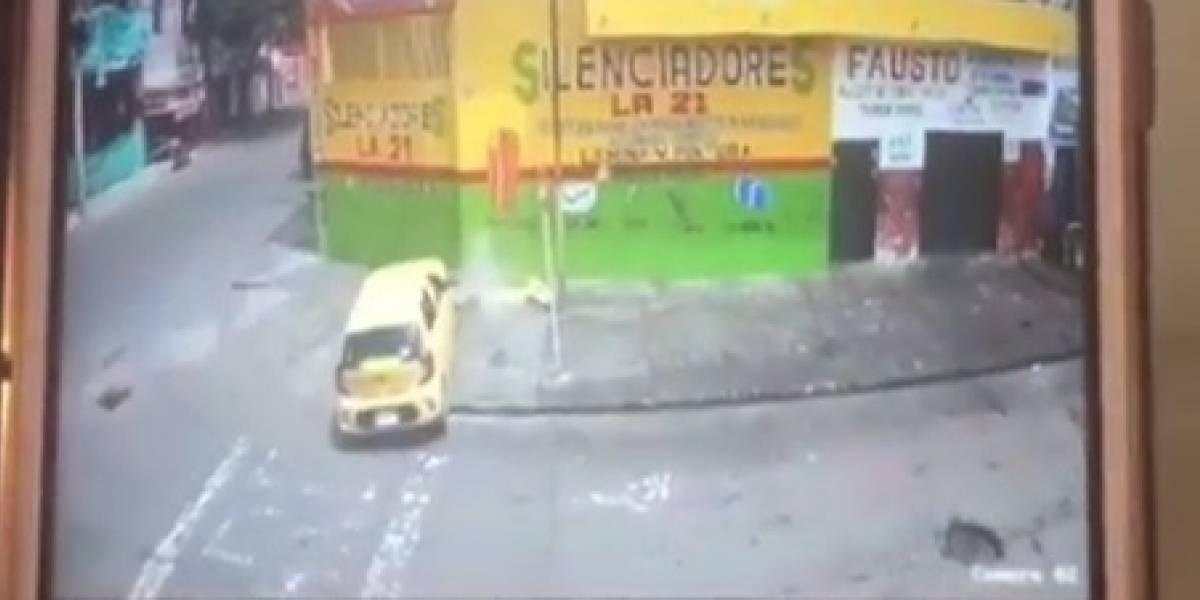 Taxista intentaba fugarse de un retén y se estrelló