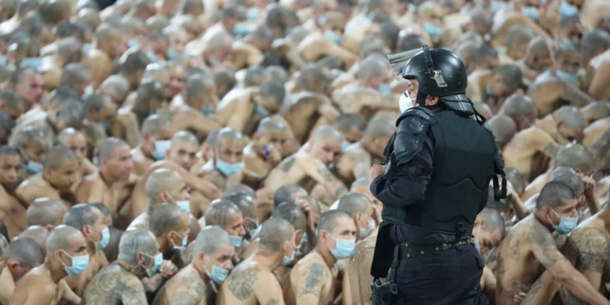 El Salvador declara emergencia en cárceles por repunte homicida