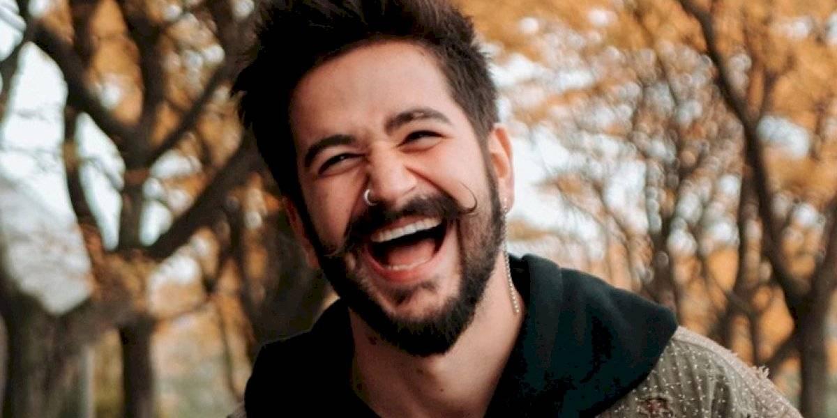 """Camilo canta """"Como la Flor"""" de Selena Quintanilla tras ser criticado por su comentario"""