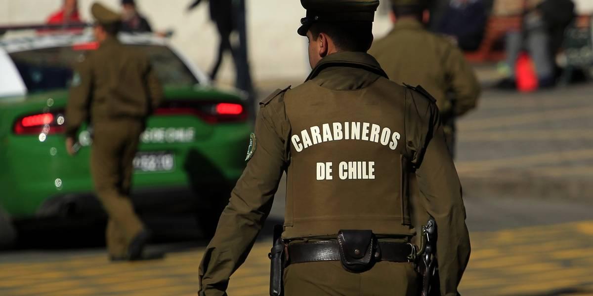 Detienen a dos sujetos en pleno saqueo a supermercado en Ñuñoa: menos mal que no fue en La Legua