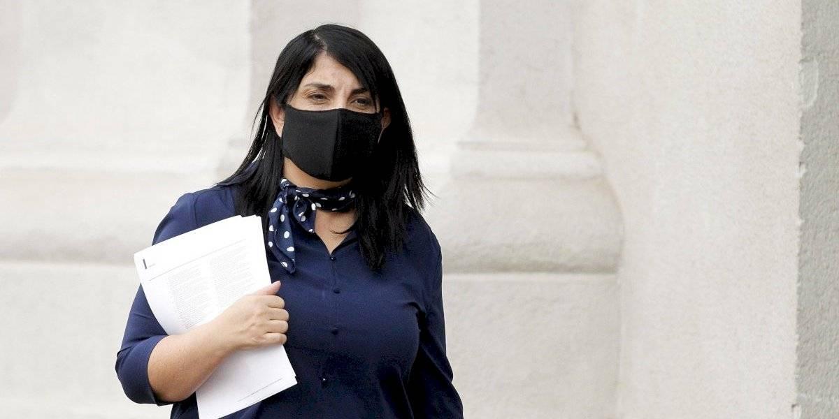 """Karla Rubilar por instructivo de entrega de cajas de alimentos: """"La responsable soy yo"""""""