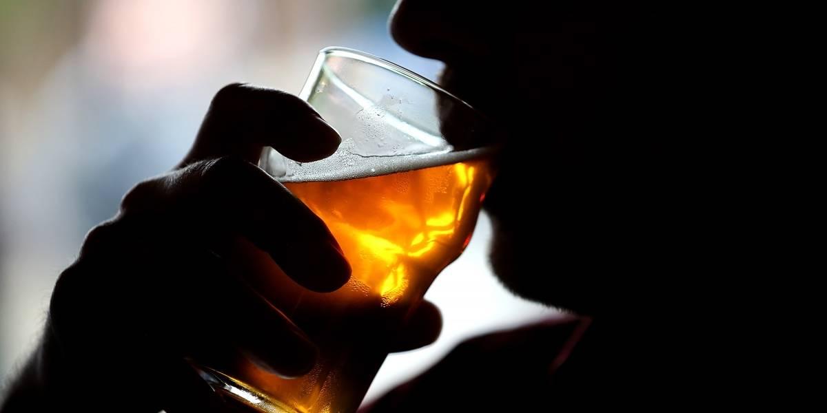 """Otro golpe al """"carrete"""": Intendencia se querella contra pub de Zapallar al que sólo se había dictado citación"""
