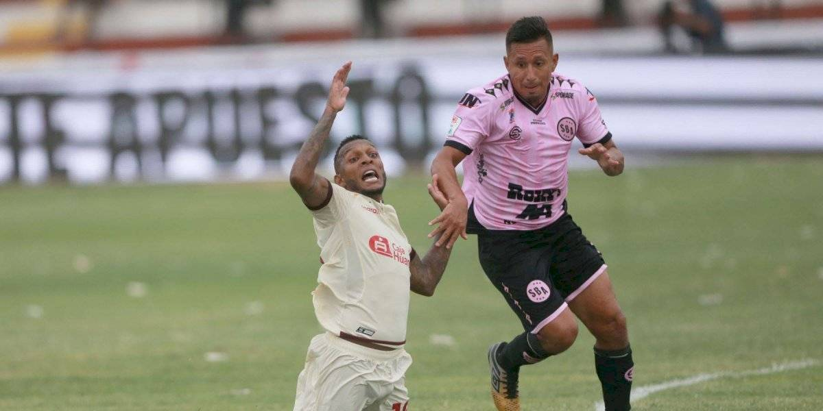Futbolistas peruanos denuncian presiones para bajarse el sueldo
