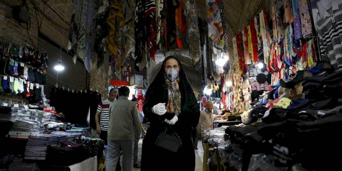 Irán supera los 800 mil casos de COVID-19 tras nuevo récord diario