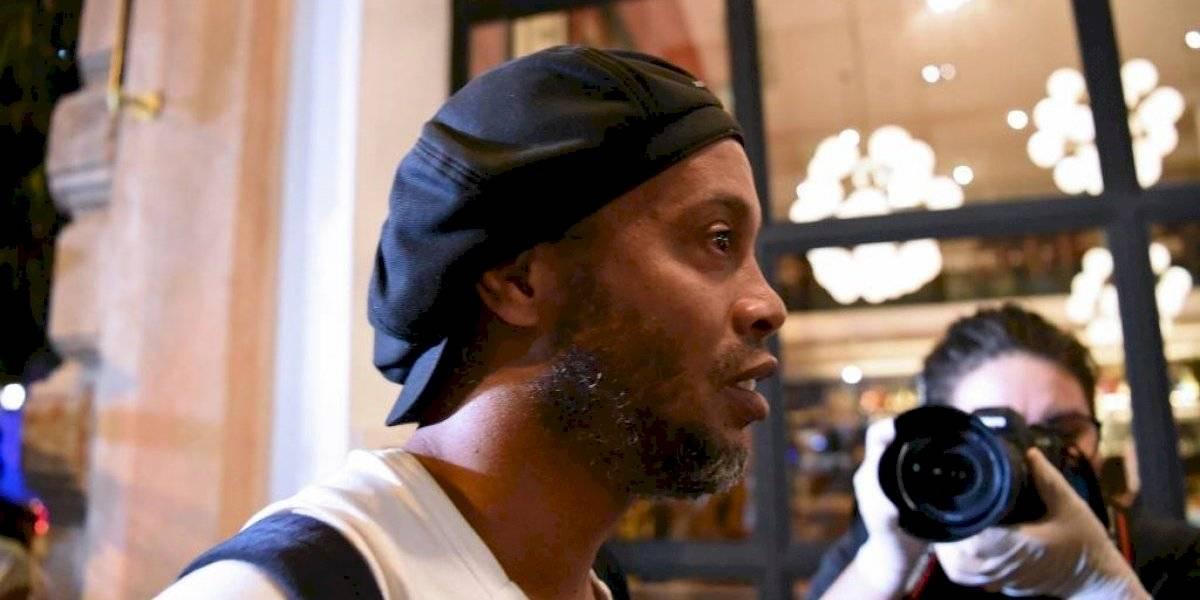 """""""Fue un golpe muy duro"""", Ronaldinho rompe el silencio desde su prisión-hotel"""