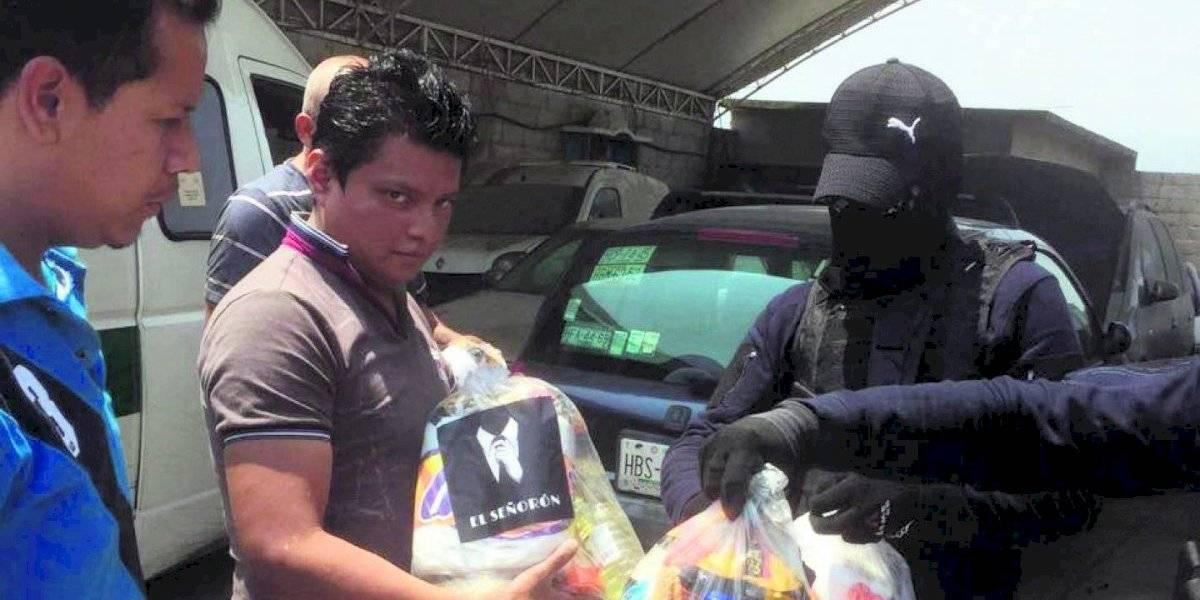 ¿Por qué los cárteles de la droga reparten víveres en México?