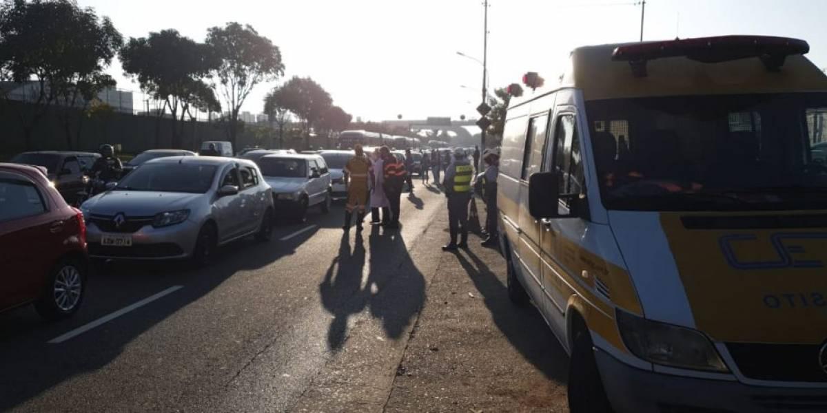 São Paulo tem novos bloqueios no trânsito para informar sobre covid-19