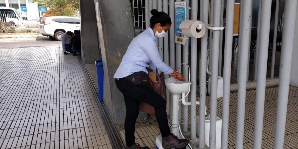 Transmetro habilita lavamos para sus usuarios como contingencia contra el coronavirus