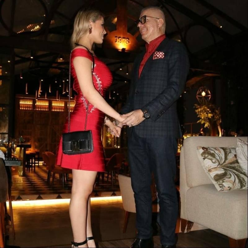 Vito Muñoz y su hermosa esposa