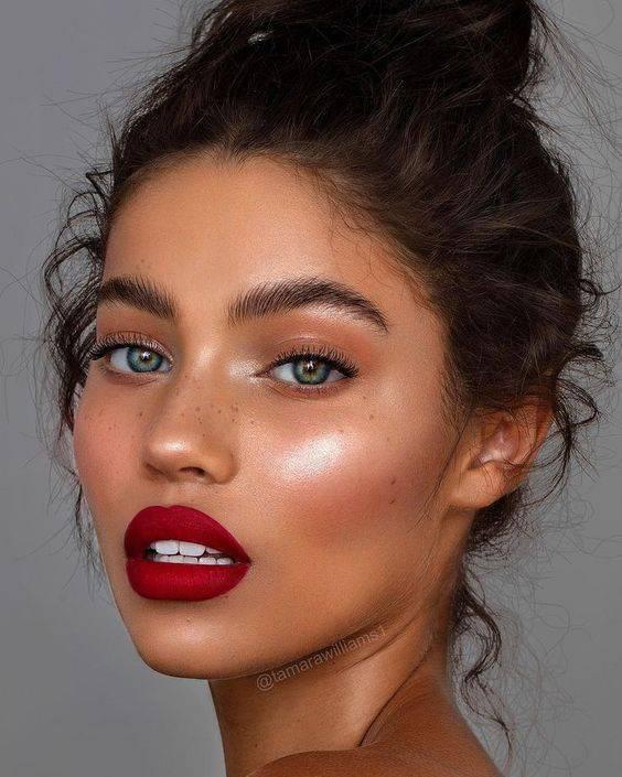 Colores de labios para morenas
