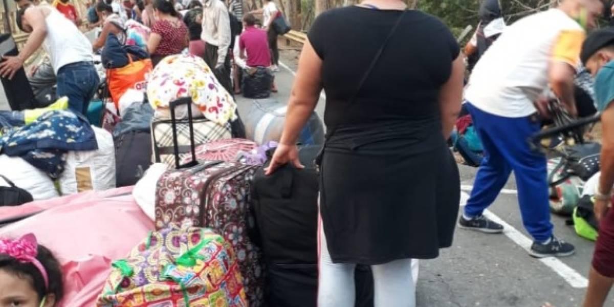 Con la dignidad varada en un bus que iba a Venezuela