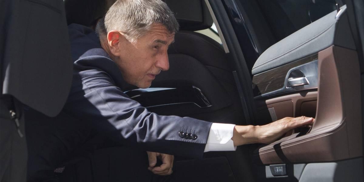 R.Checa.- Presentan cargos contra el primer ministro de República Checa por insultar a un diputado de la oposición