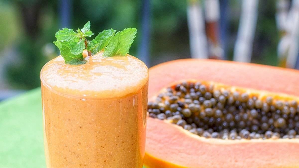 Batido de papaya con espinacas para desintoxicar el cuerpo