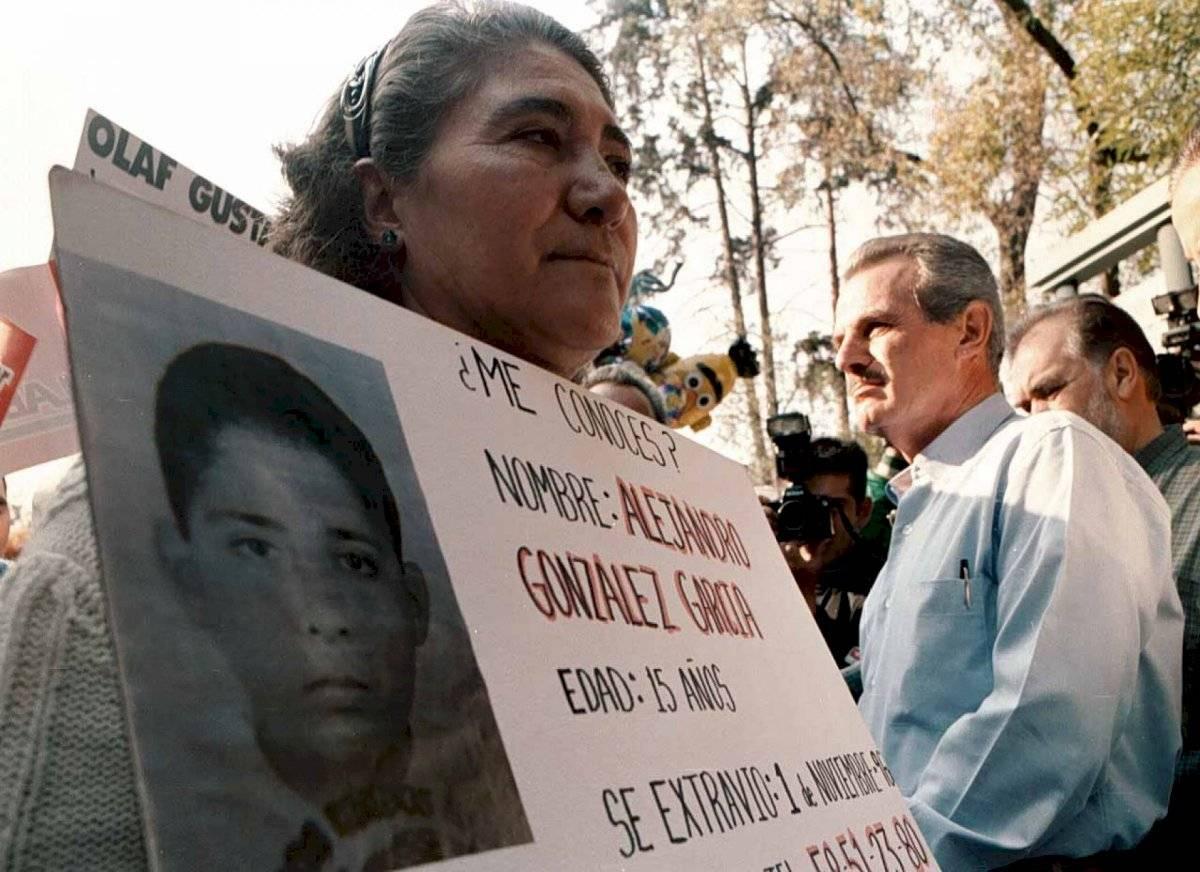 En el mismo evento, un grupo de padres de infantes desaparecidos narraron a Labastida sus casos y la falta de apoyo gubernamental para buscar a sus hijos, algunos de los cuales llevan hasta 8 años perdidos.