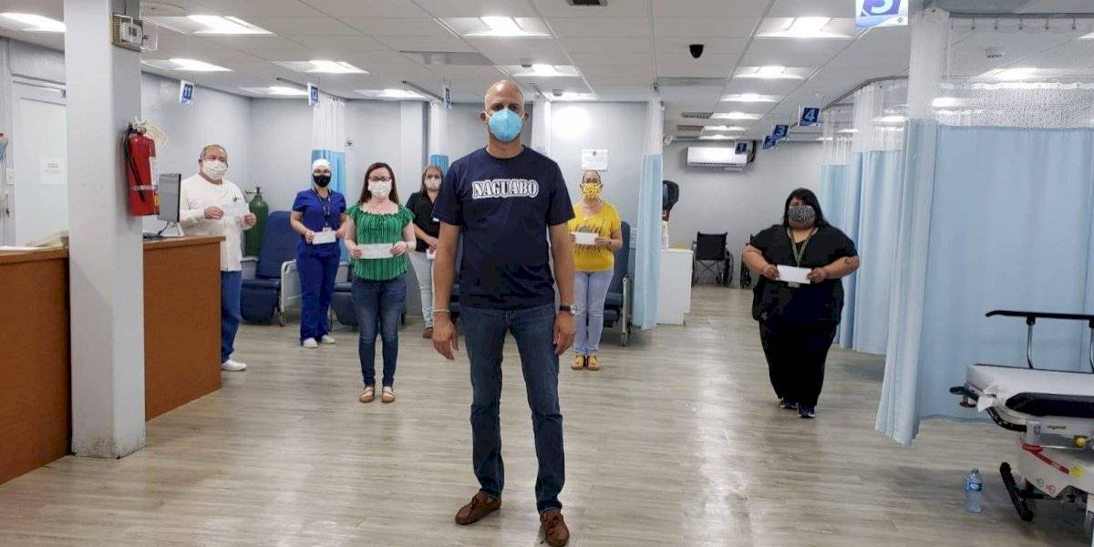 Alcalde de Naguabo entrega bonificación a empleados que atienden emergencia del coronavirus