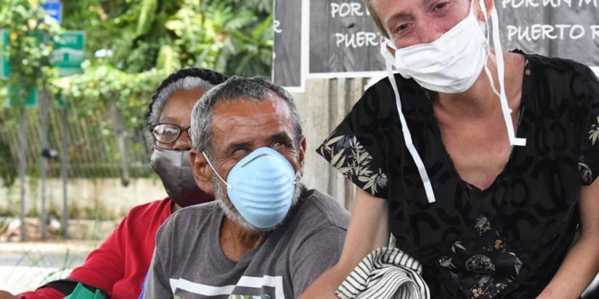 Van a las calles a hacer pruebas de COVID-19 a personas sin hogar